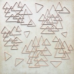 Lot grandes formes triangles